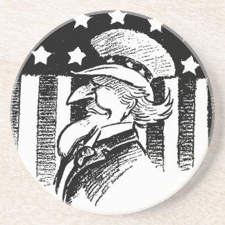 Tío Sam patriótico del vintage y bandera americana Posavasos Cerveza