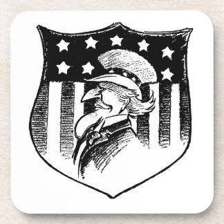 Tío Sam patriótico del vintage y bandera americana Posavasos De Bebidas