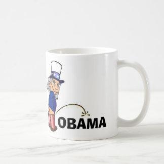 Tío Sam que hace pis en Obama Taza De Café