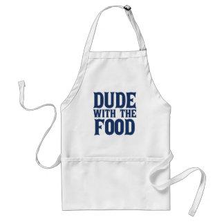 Tipo con el azul de la comida delantal