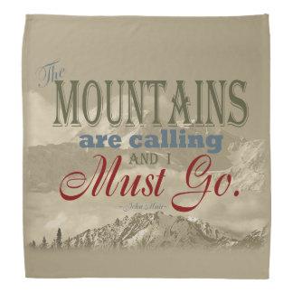 Tipografía del vintage que las montañas están bandana