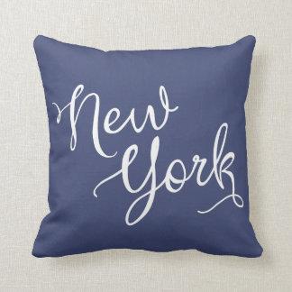 Tipografía elegante de Nueva York de los azules Cojines