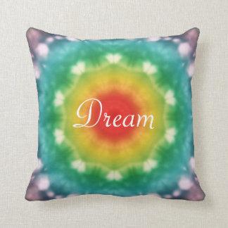 Tipografía ideal del arco iris del Hippie Cojín Decorativo
