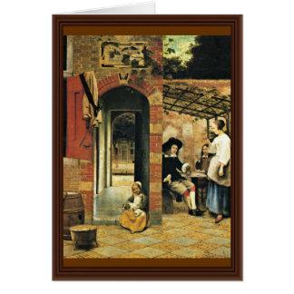 Tippling dos hombres y a una mujer debajo de un tarjeta de felicitación
