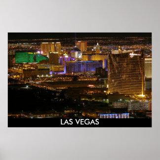 Tira aérea de Las Vegas en la noche - mucha altitu Póster