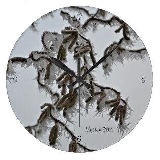 """tirabuzón Hasel"" by mysteryella Reloj Redondo Grande"