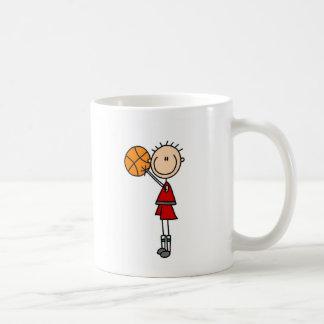 Tirar la taza del baloncesto