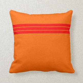 Tiras del rojo almohada
