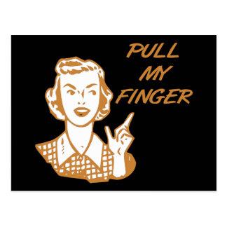 Tire de mi naranja retro del ama de casa del dedo postales