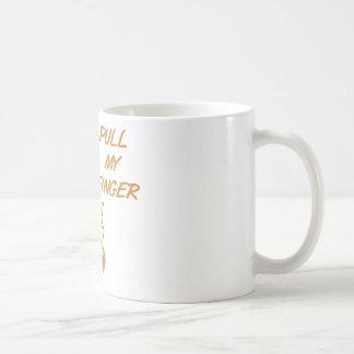 Tire de mi naranja retro del ama de casa del dedo taza