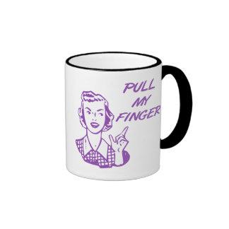 Tire de mi púrpura retra del ama de casa del dedo taza de dos colores