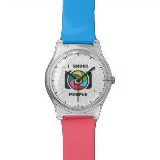 Tiro a la gente - diversión colorida del obturador reloj de mano