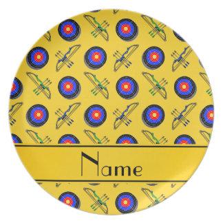 Tiro al arco amarillo conocido personalizado platos para fiestas