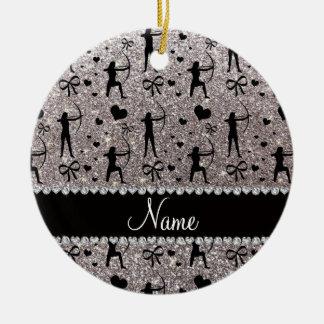 Tiro al arco de plata conocido de encargo del adorno navideño redondo de cerámica