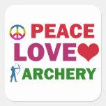 Tiro al arco del amor de la paz colcomanias cuadradas