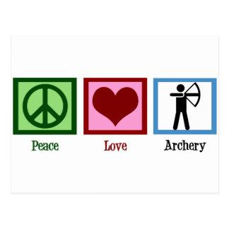 Tiro al arco del amor de la paz postales
