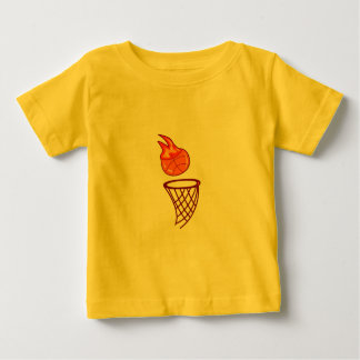Tiro caliente del baloncesto t-shirt