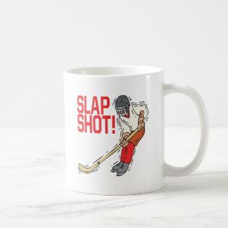 Tiro de palmada taza de café