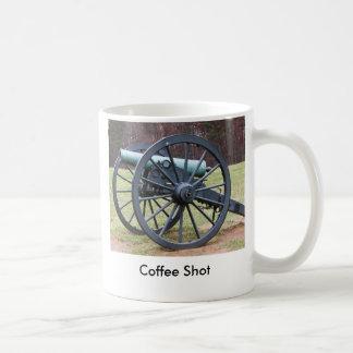 Tiro del café taza básica blanca