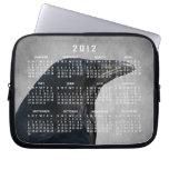 Tiro del encanto del cuervo; Calendario 2012 Fundas Computadoras