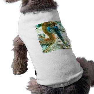 Tiro joven de la cabeza del pelícano, alto color d camisa de mascota