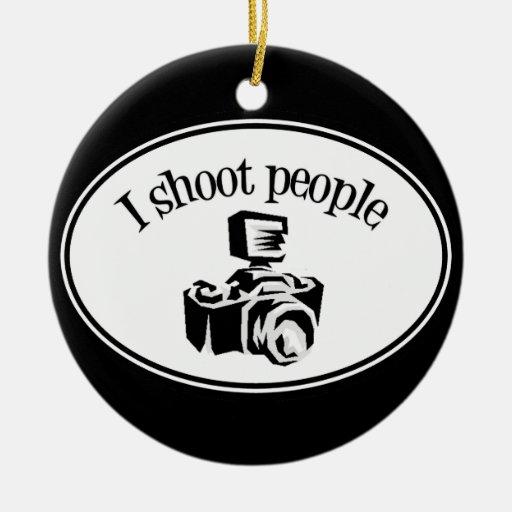 Tiro la cámara B&W del fotógrafo retro de la gente Adorno Navideño Redondo De Cerámica