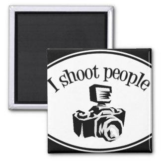 Tiro la cámara B&W del fotógrafo retro de la gente Imán Cuadrado