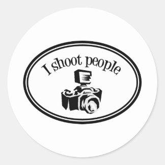 Tiro la cámara B&W del fotógrafo retro de la gente Pegatina Redonda