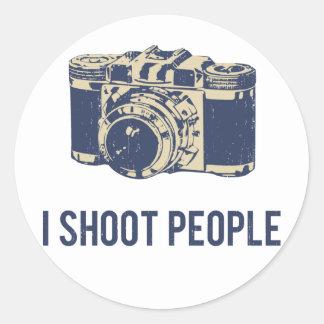 Tiro la cámara de la fotografía de la gente pegatina redonda