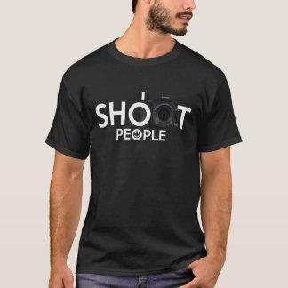 Tiro la camiseta de la fotografía de la cámara de
