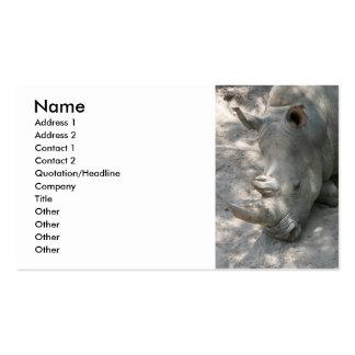 Tiro principal del rinoceronte el dormir tarjeta de visita