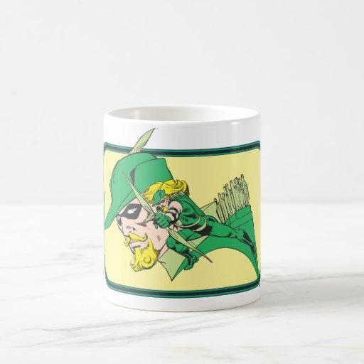 Tiro verde de la cabeza de la flecha taza