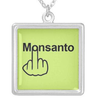 Tirón de Monsanto del collar