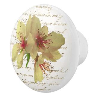 Tirón del cajón de los flores del francés pomo de cerámica