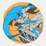 Tiros Batarang de Batman en tejado Etiqueta Redonda