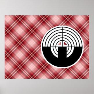 Tiroteo rojo del deporte de la tela escocesa poster