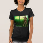Titania en las ruinas camisetas