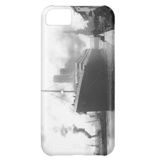 Titanic at the docks of Southampton iPhone 5C Covers