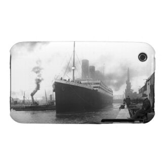Titanic at the docks of Southampton iPhone 3 Covers
