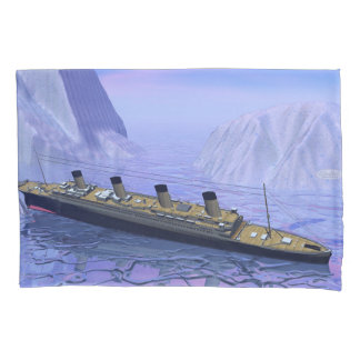 Titanic boat sinking - 3D render Pillow Case