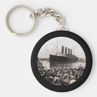 Titanic Leaving Southhampton Keychain