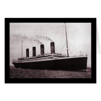 Titánico en el mar tarjeta de felicitación