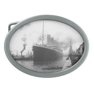 Titánico en los muelles de Southampton Hebillas De Cinturón
