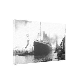Titánico en los muelles de Southampton Impresion En Lona