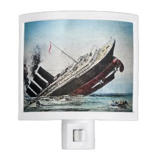 ¡Titánico se está hundiendo aprisa a los botes sal Lámpara De Noche