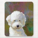 Titulado: Estoy pensando en él - el perro blanco Mouse Pad