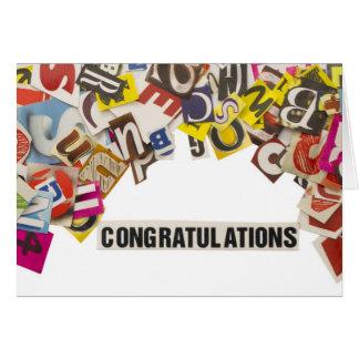 título de la enhorabuena hecho de letras de la rev tarjeta de felicitación
