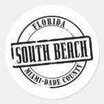 Título del sur de la playa pegatina redonda