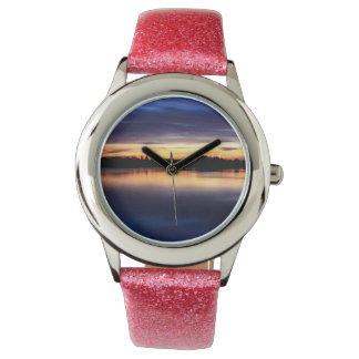 To get late and put of sun of colors in the lagoon wrist watch