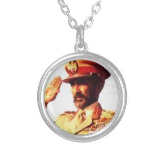 To glue Selassie Round Pendant Necklace